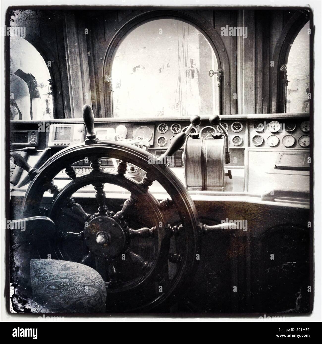 Ships wheel from Tall Ship, mooring at Bay City, Michigan - Stock Image