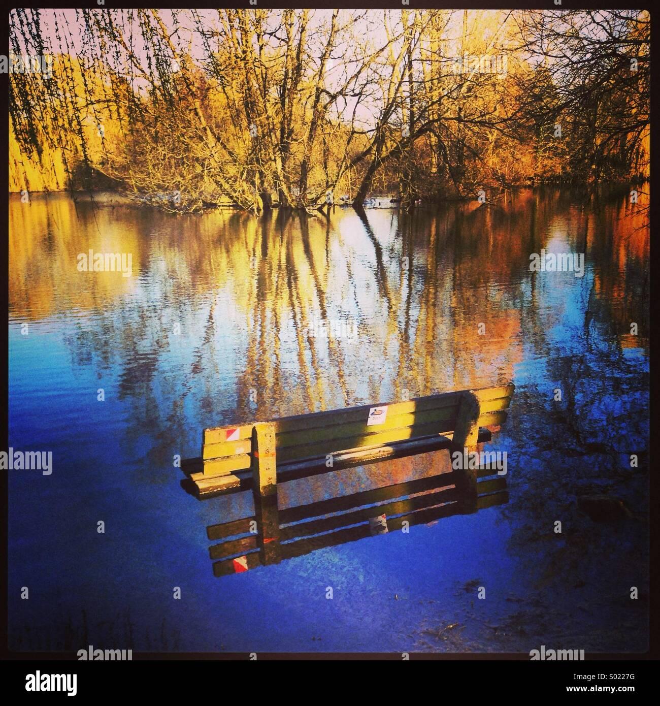 Lake bench - Stock Image