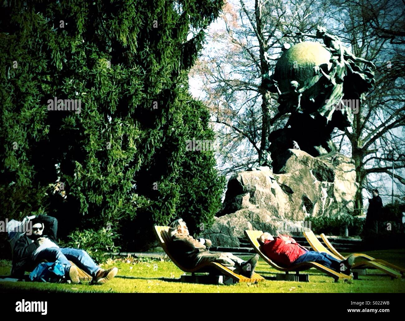UPU Monument, Berne (1909) with sun loungers Stock Photo