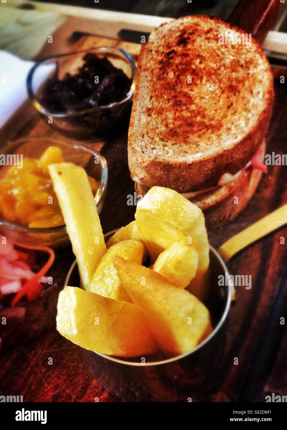 Plough mans lunch, British pub food - Stock Image