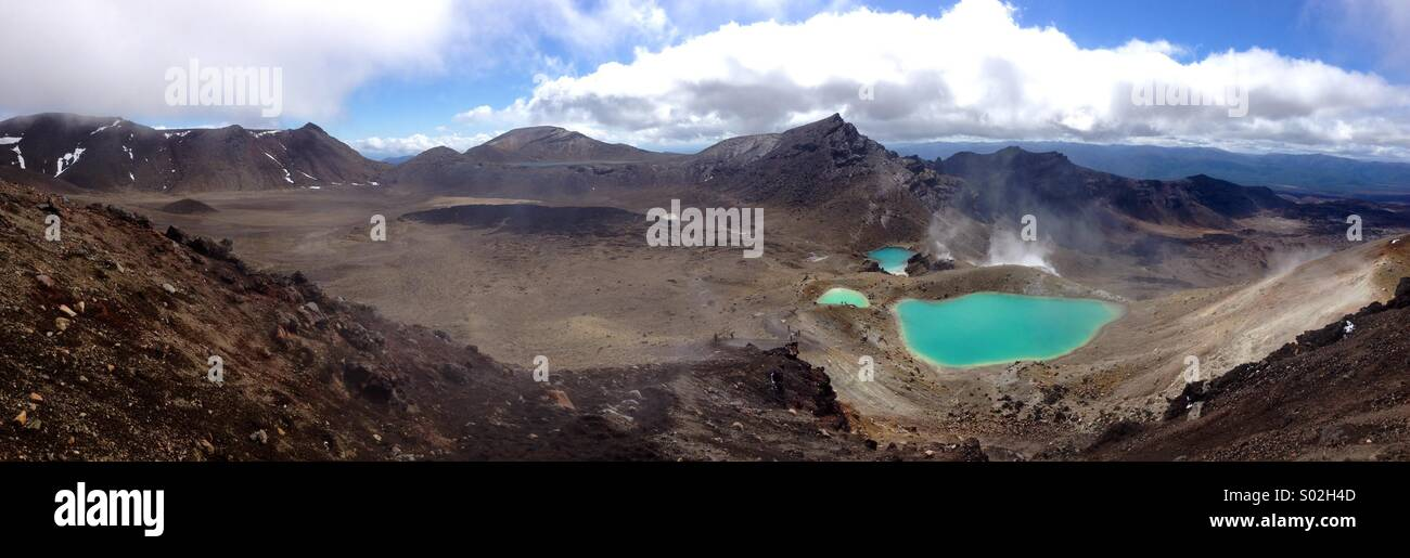 Emerald lakes on the famous Tongariro Crossing, New Zealand - Stock Image