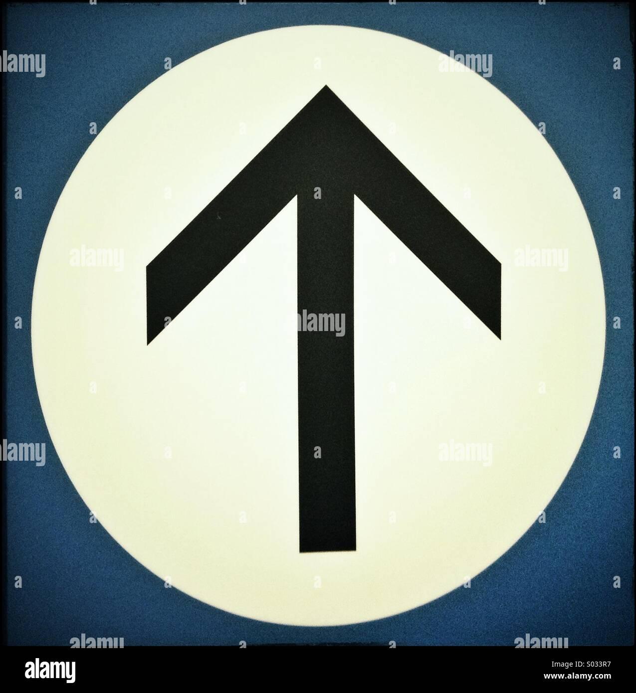 Arrow pointing upwards - Stock Image