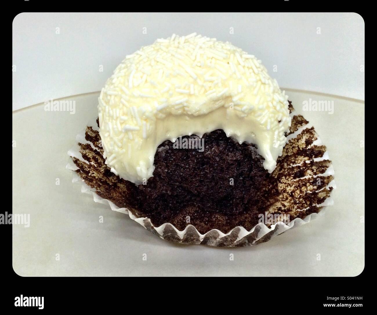 Tuxedo cupcake - Stock Image