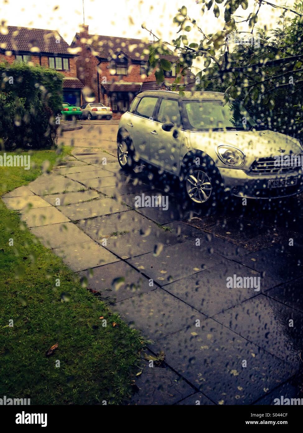 Wet drive way - Stock Image