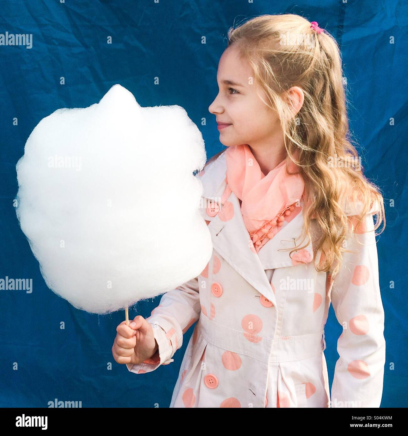 Girl with candyfloss - Stock Image