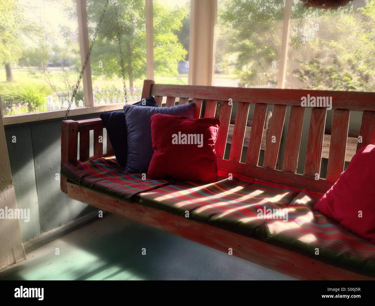 Porch swing in Oklahoma - Stock Image