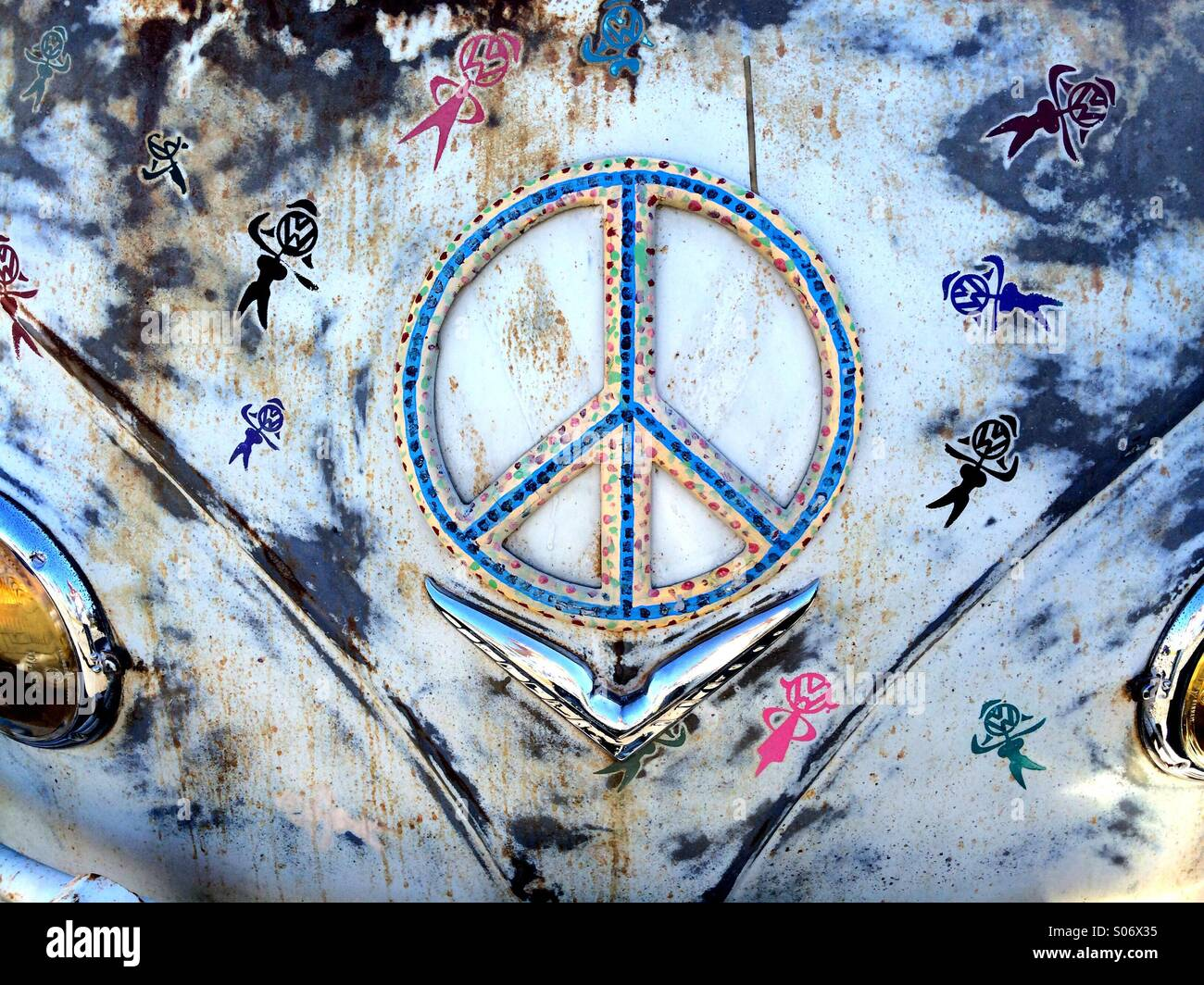 Peace sign on an old VW van - Stock Image