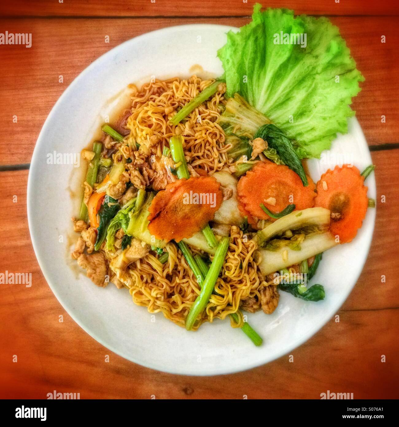 Cambodian fried noodles with chicken - Stock Image