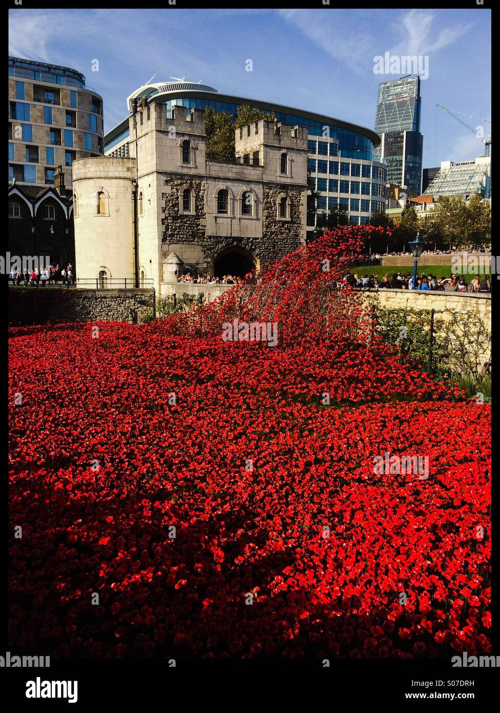 A general view of the Blood Swept Lands And Seas Of Red ceramic poppy installation at The Tower of London in remembrance Stock Photo