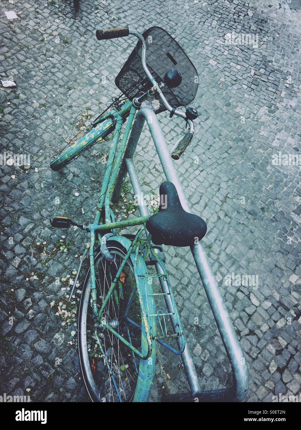 Old bicycle - Stock Image