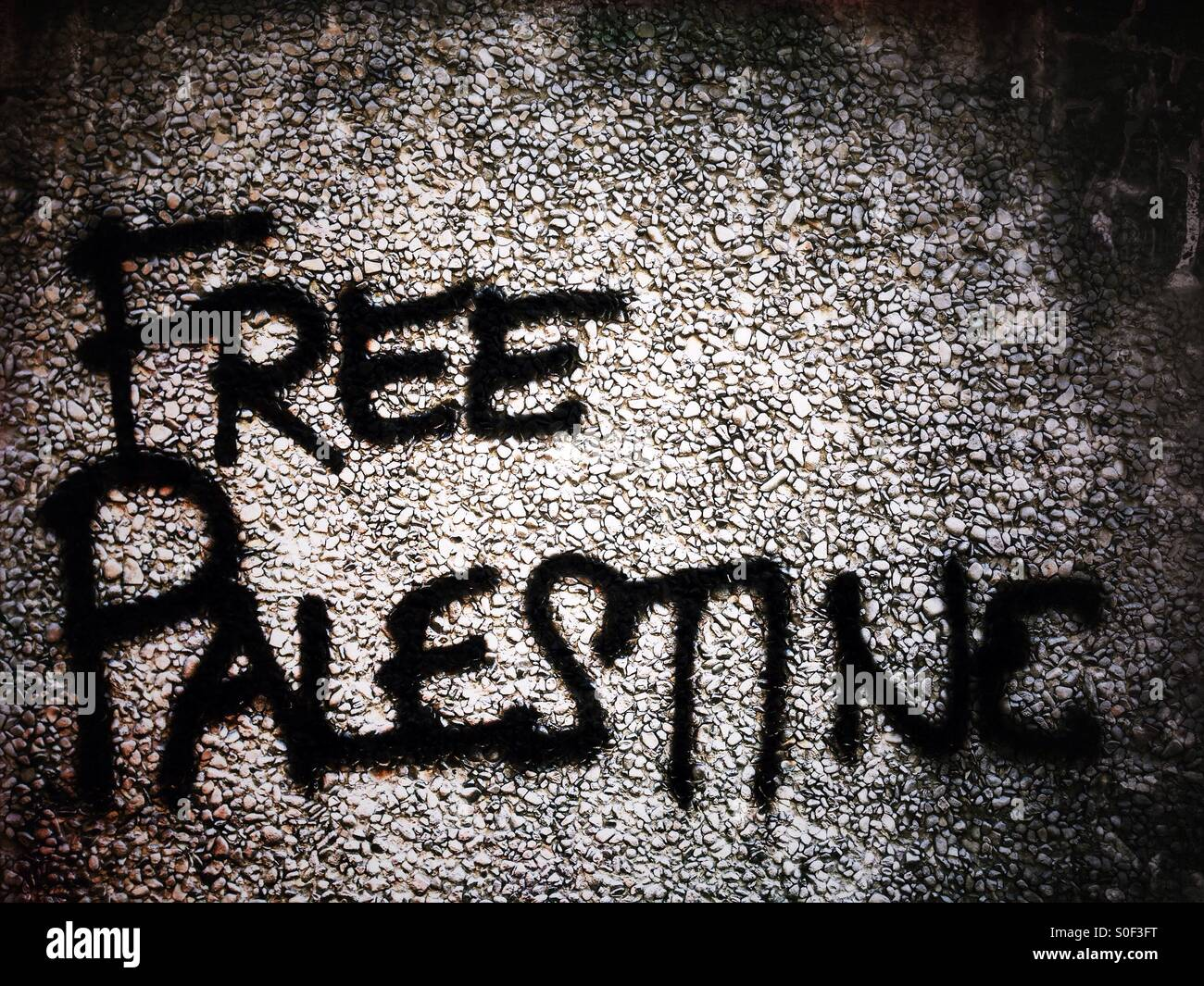 Free palestine Graffiti on a wall in Berlin - Stock Image