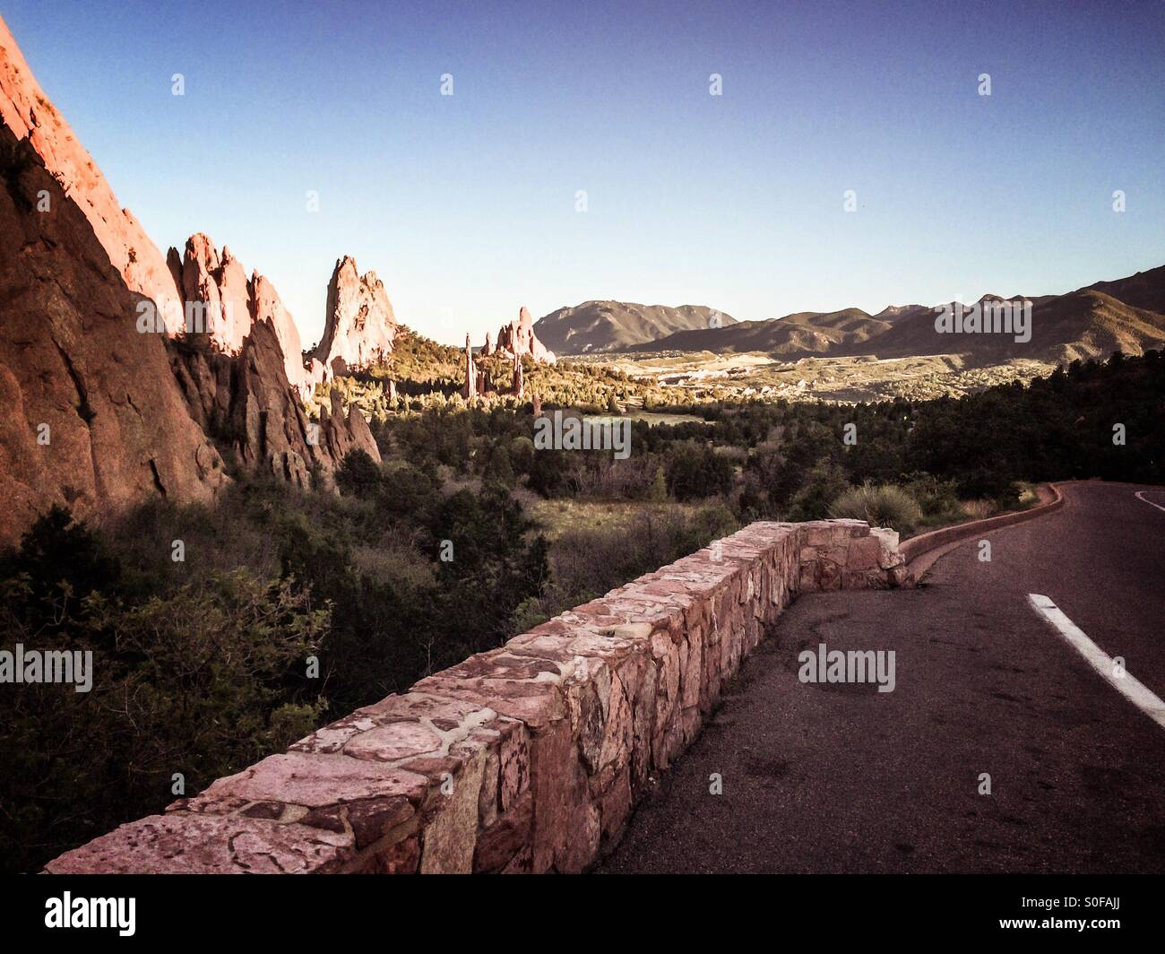 Scenic drive through Garden of the Gods in the Rocky Mountains in Colorado Springs. - Stock Image