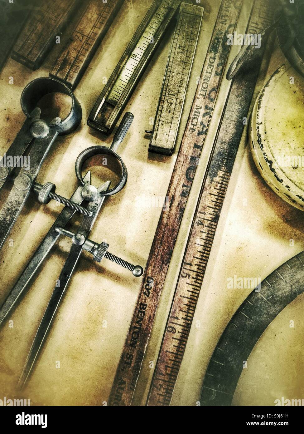 Antique measuring instruments - Stock Image
