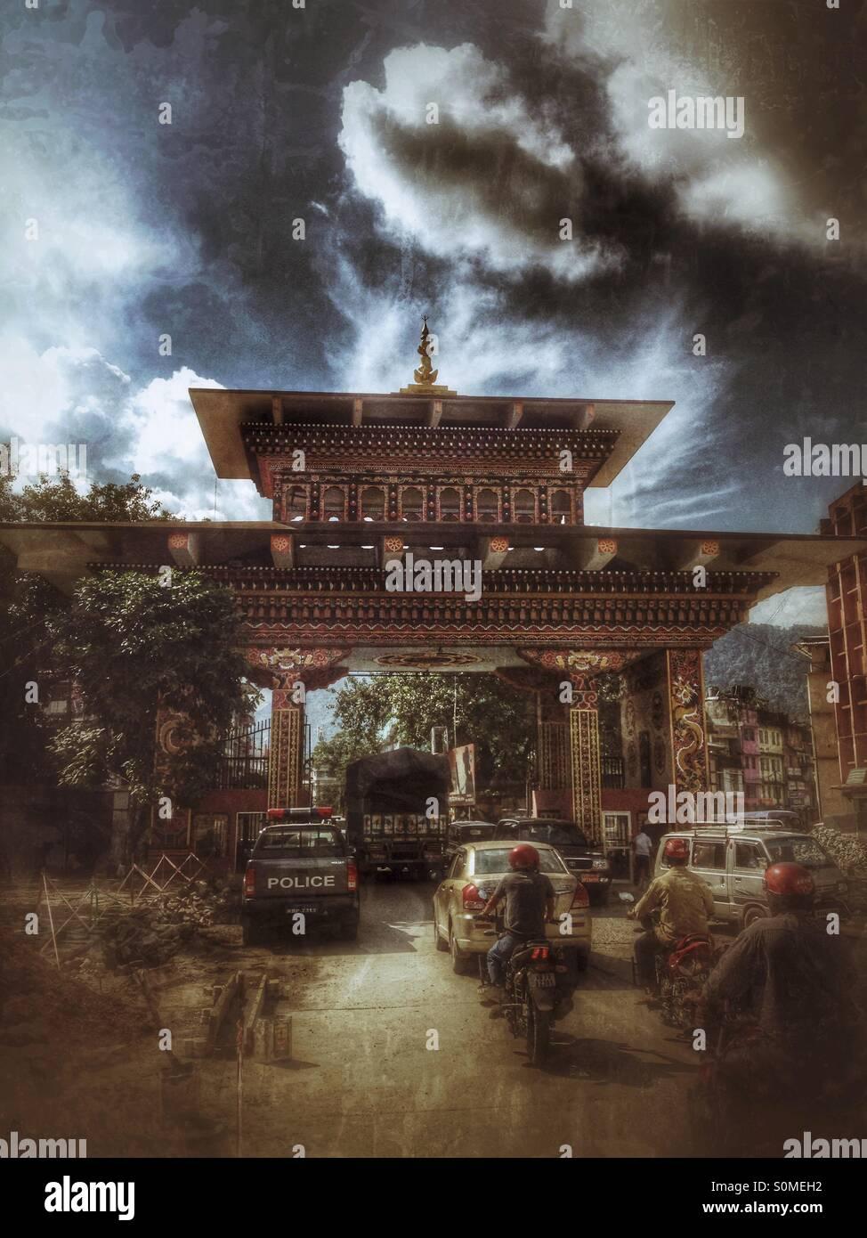 Gateway border between Bhutan and India. Phuentsholing, Bhutan, Asia. - Stock Image
