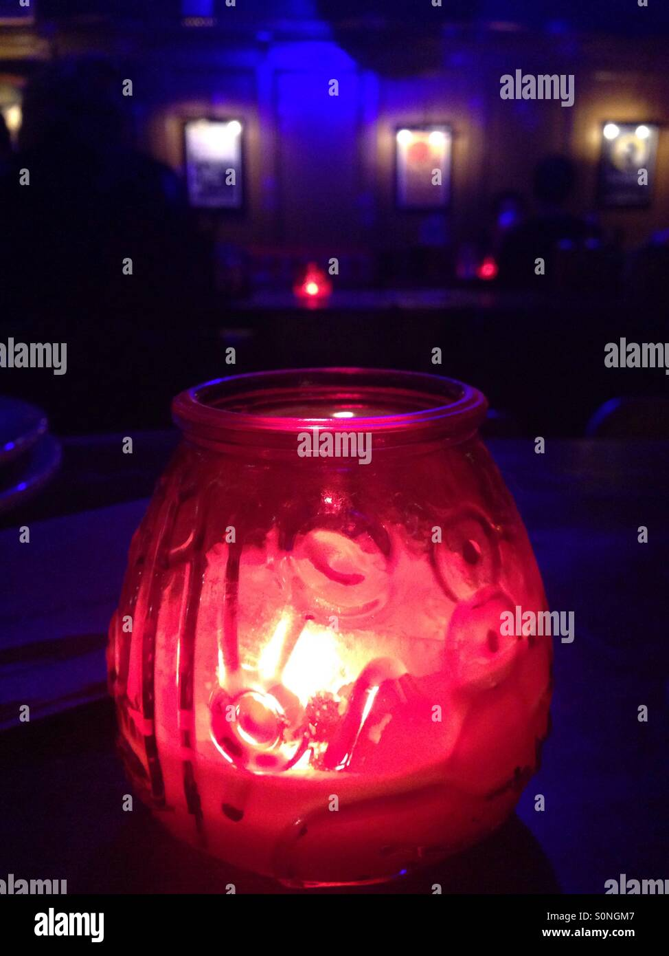Candlelight darkness - Stock Image