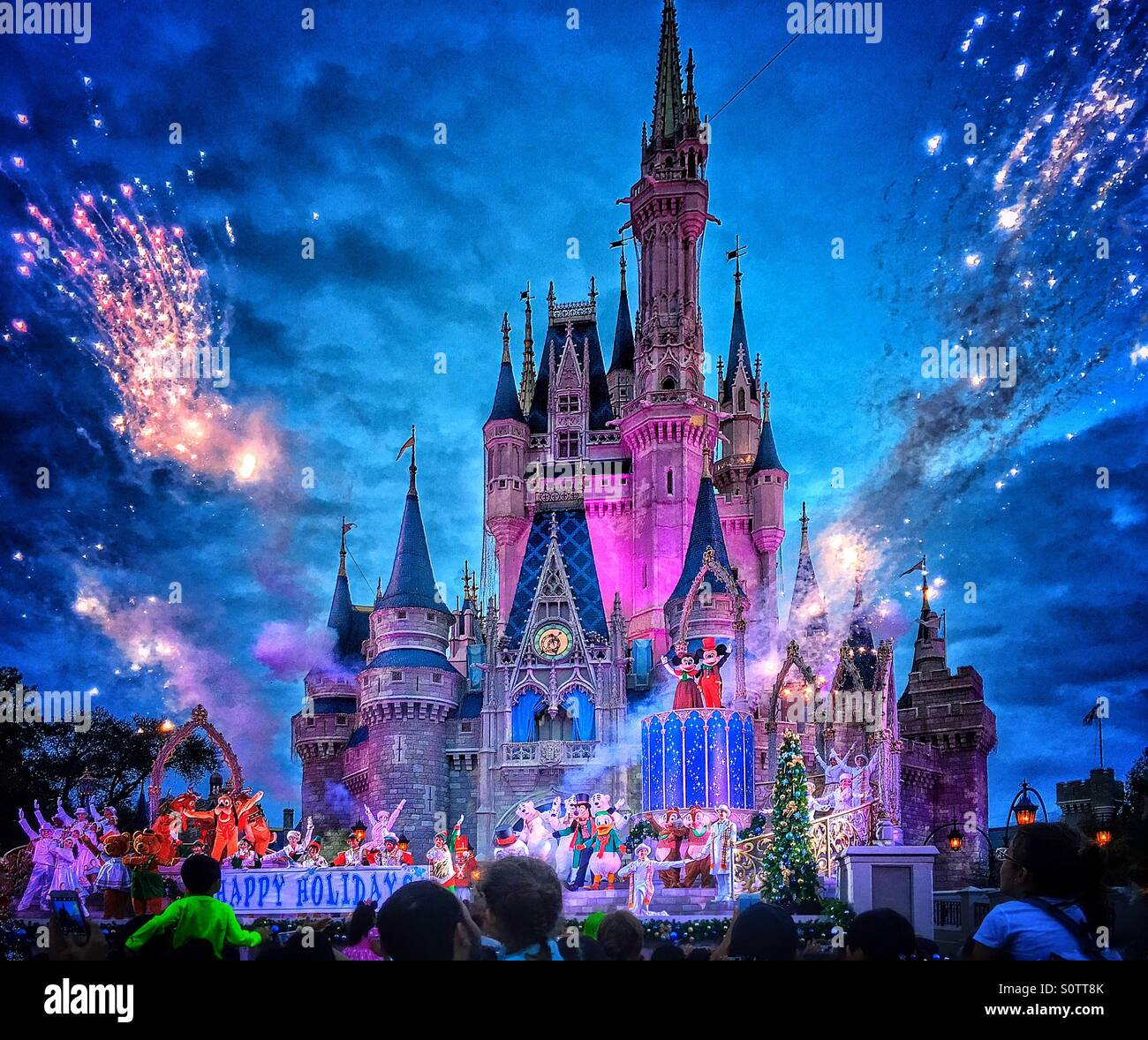 walt disney world christmas holidays live show in front of cinderella castle orlandoflorida - Disneyworld Christmas