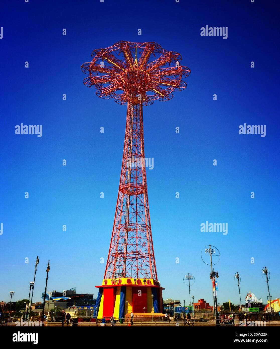 Parachute jump in Coney Island Brooklyn - Stock Image