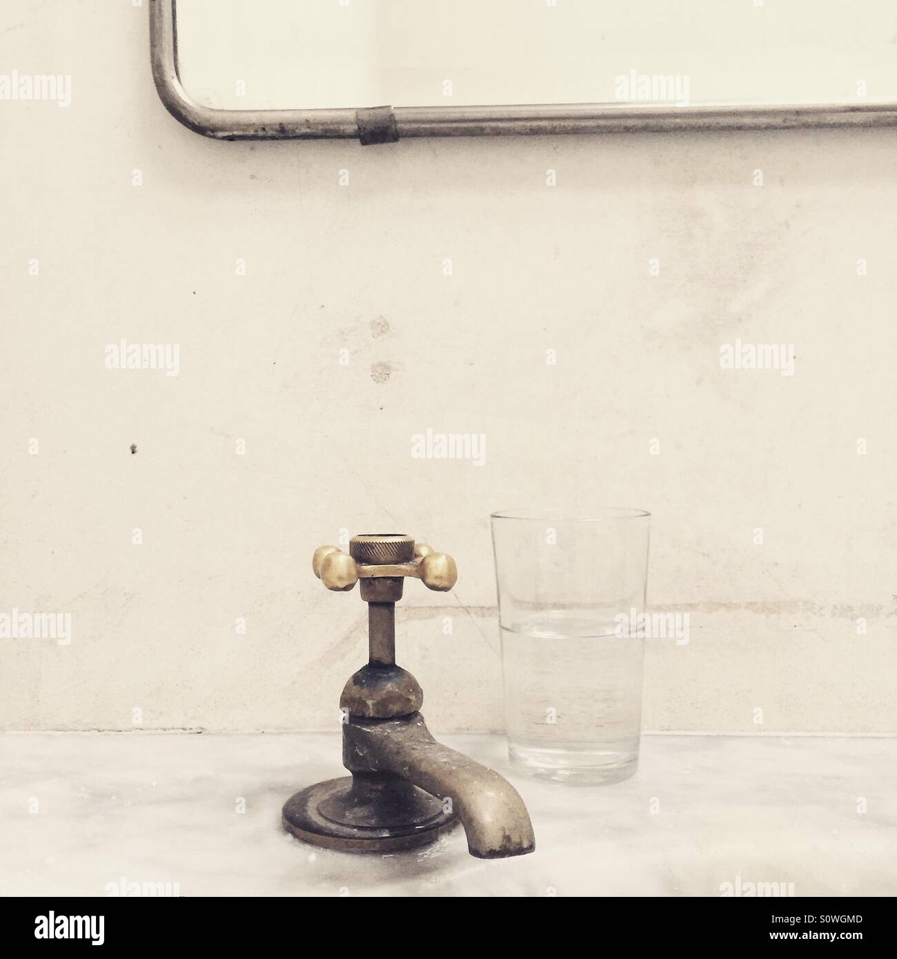 Vintage bathroom faucet Stock Photo: 310348541 - Alamy