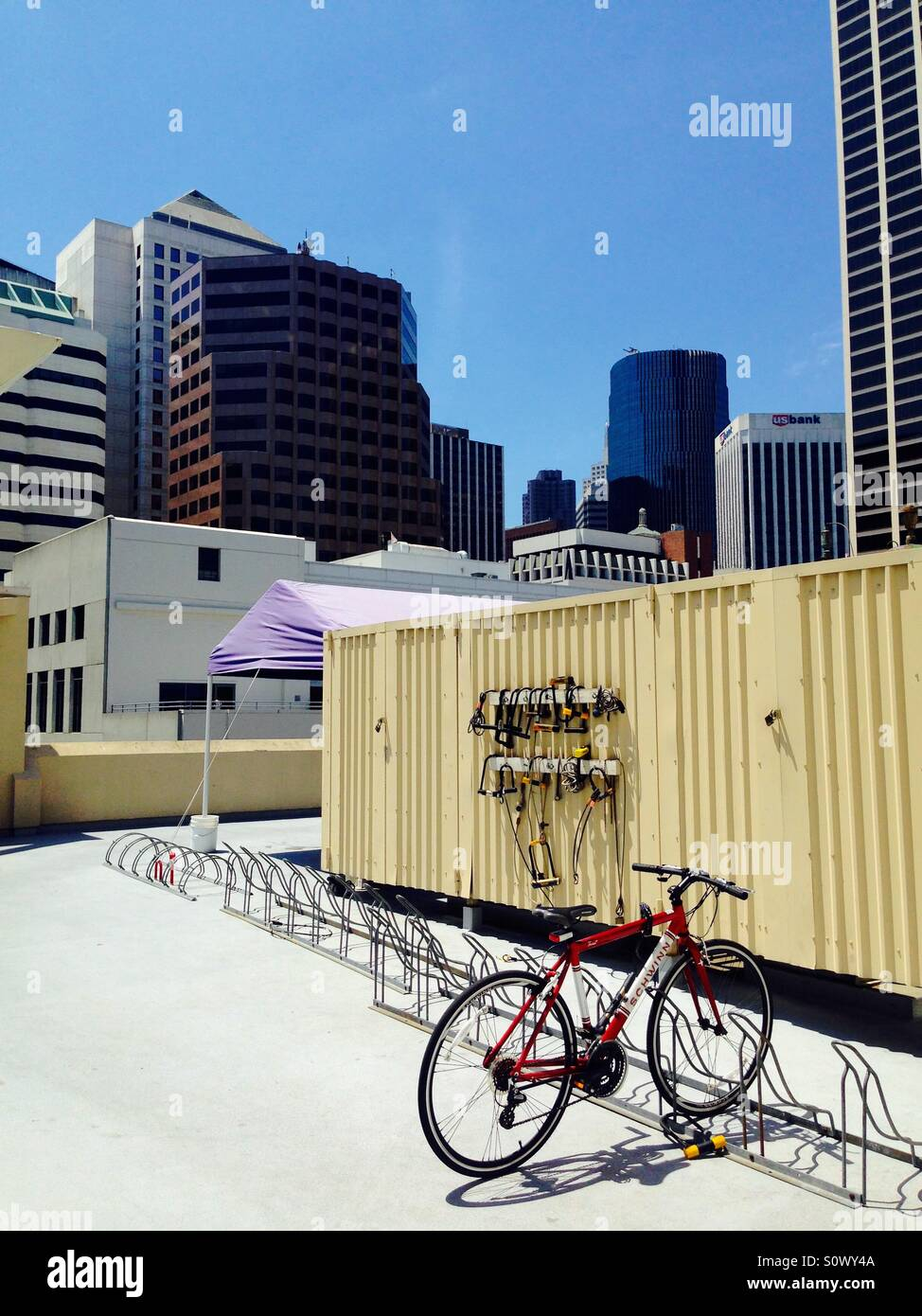 My bike on a rooftop in SF - Stock Image