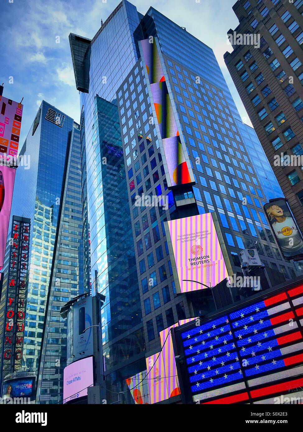 reuters building in times square stock photos reuters building in times square stock images. Black Bedroom Furniture Sets. Home Design Ideas