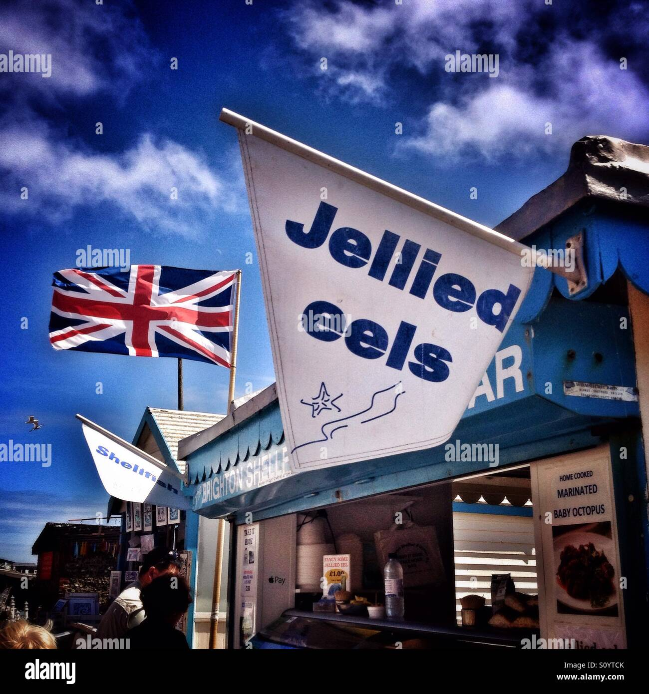 Jellied eels stand on british seaside - Stock Image
