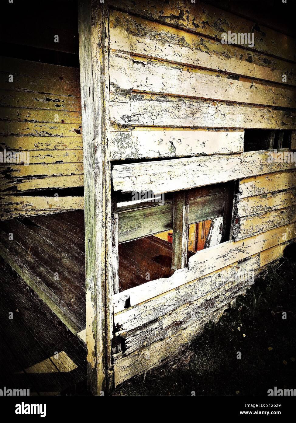 Old dilapidated beach hut - Stock Image