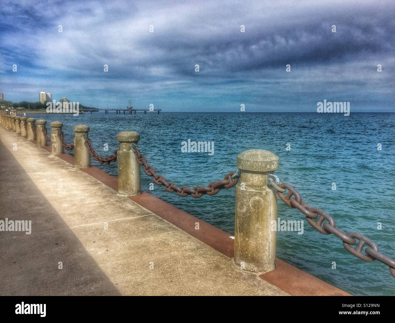 Downtown Burlington Ontario waterfront and storm clouds over Lake Ontario on a hot summer day. - Stock Image