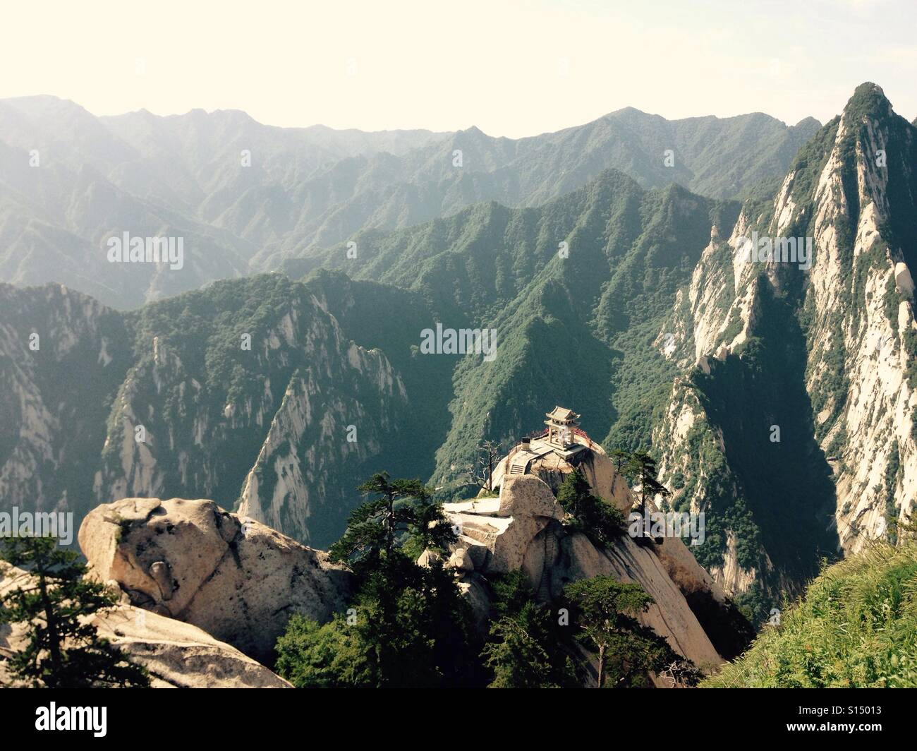 Sacred Mountain China. HuaSha July 2016. The temple of peace and wisdom - Stock Image