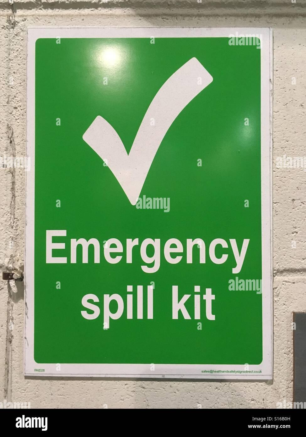 Emergency spill kit sign - Stock Image