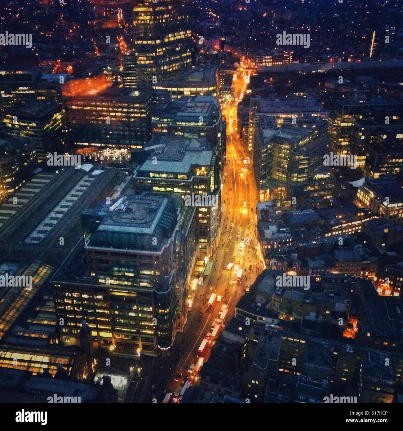 Traffic on Bishopsgate, City of London - Stock Image