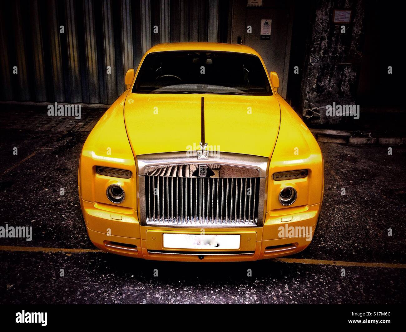 Yellow Rolls Royce Stock Photo 310570804 Alamy