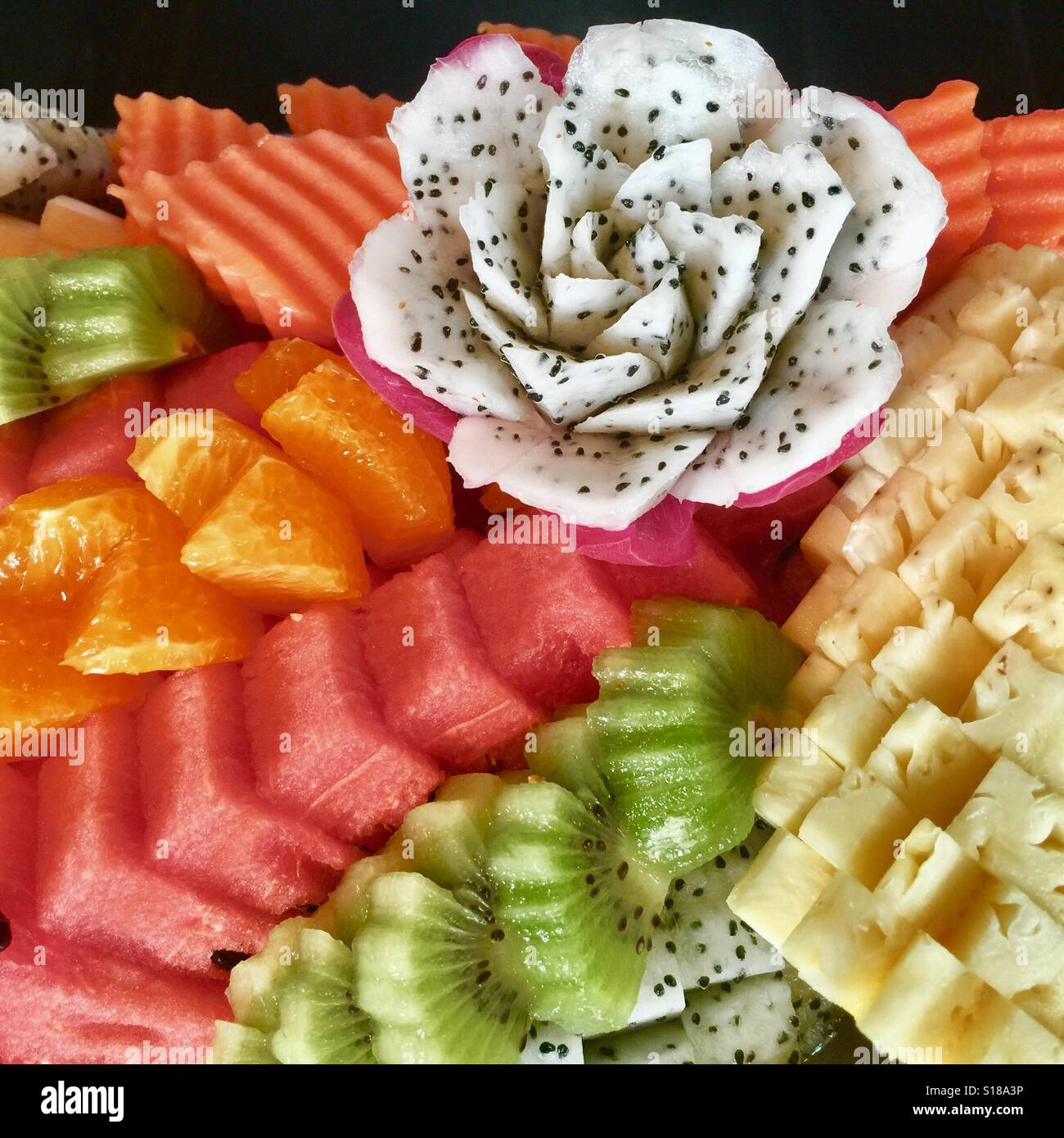 Thailand Fruit Wholesaler Email Mail: A Colourful Plate Of Thai Fruits Carving- Dragon Fruit