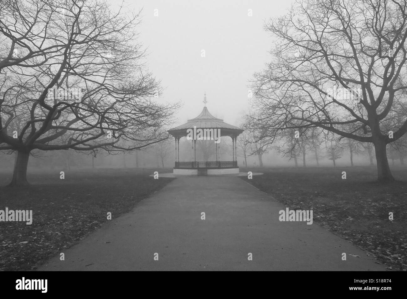 Greenwich Royal Park bandstand in the fog. - Stock Image
