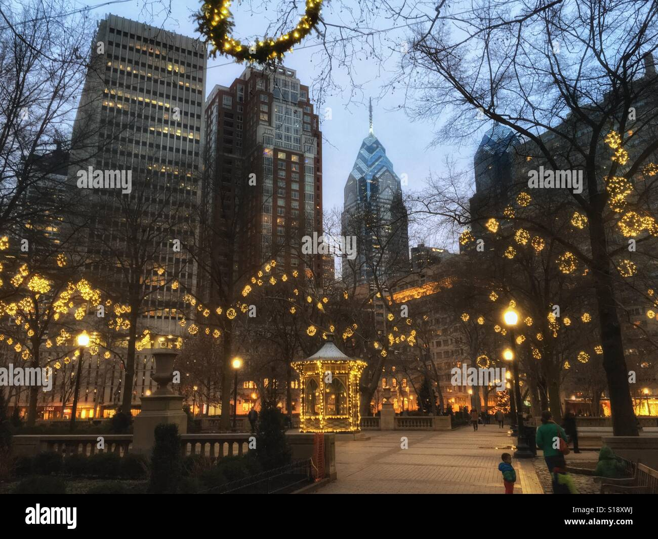 Rittenhouse Square in winter with holiday decorations, Philadelphia, Pennsylvania, USA Stock Photo