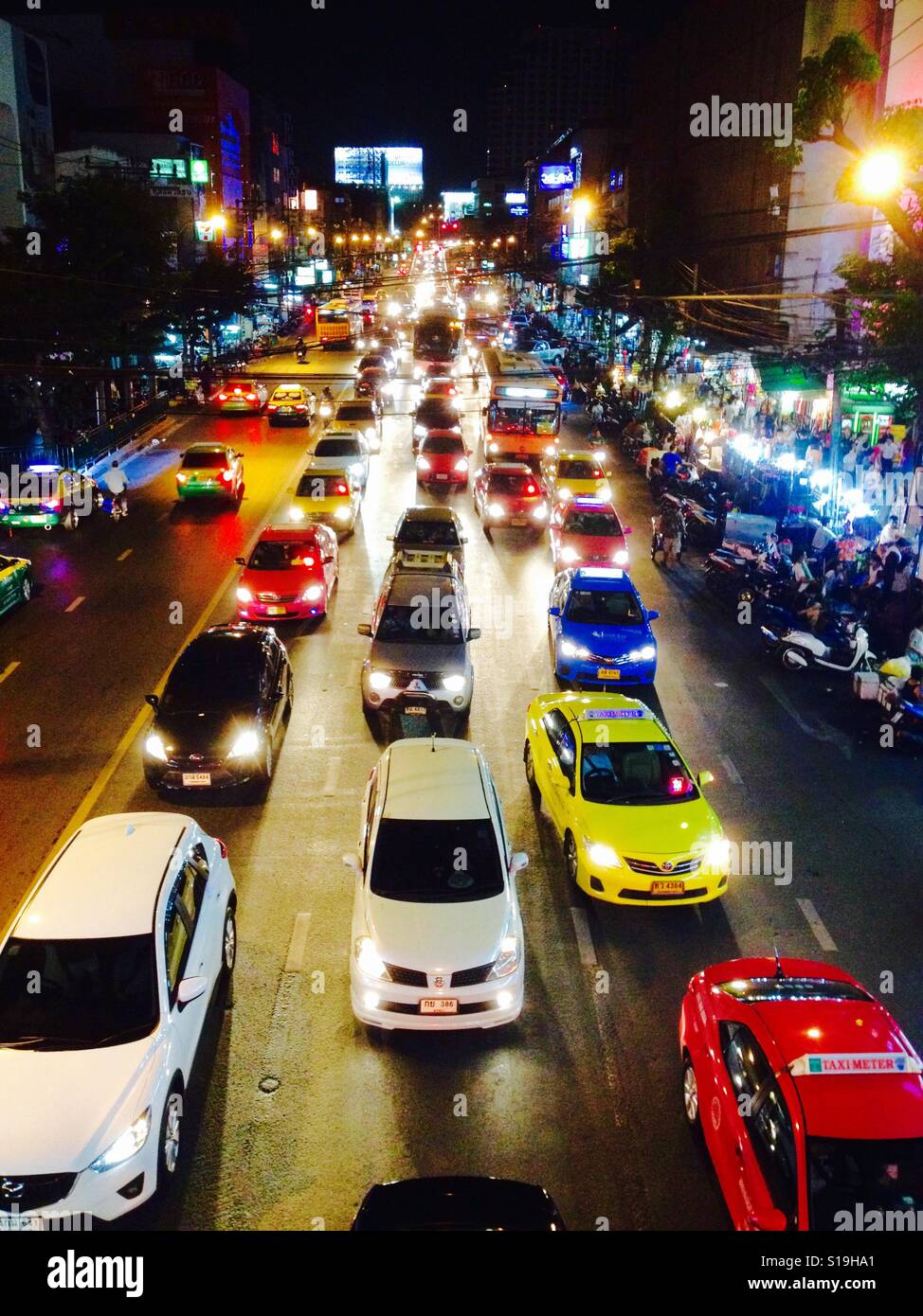 Traffic chaos in the streets of Bangkok - Stock Image