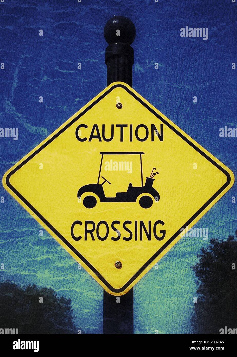 Golf cart crossing sign - Stock Image