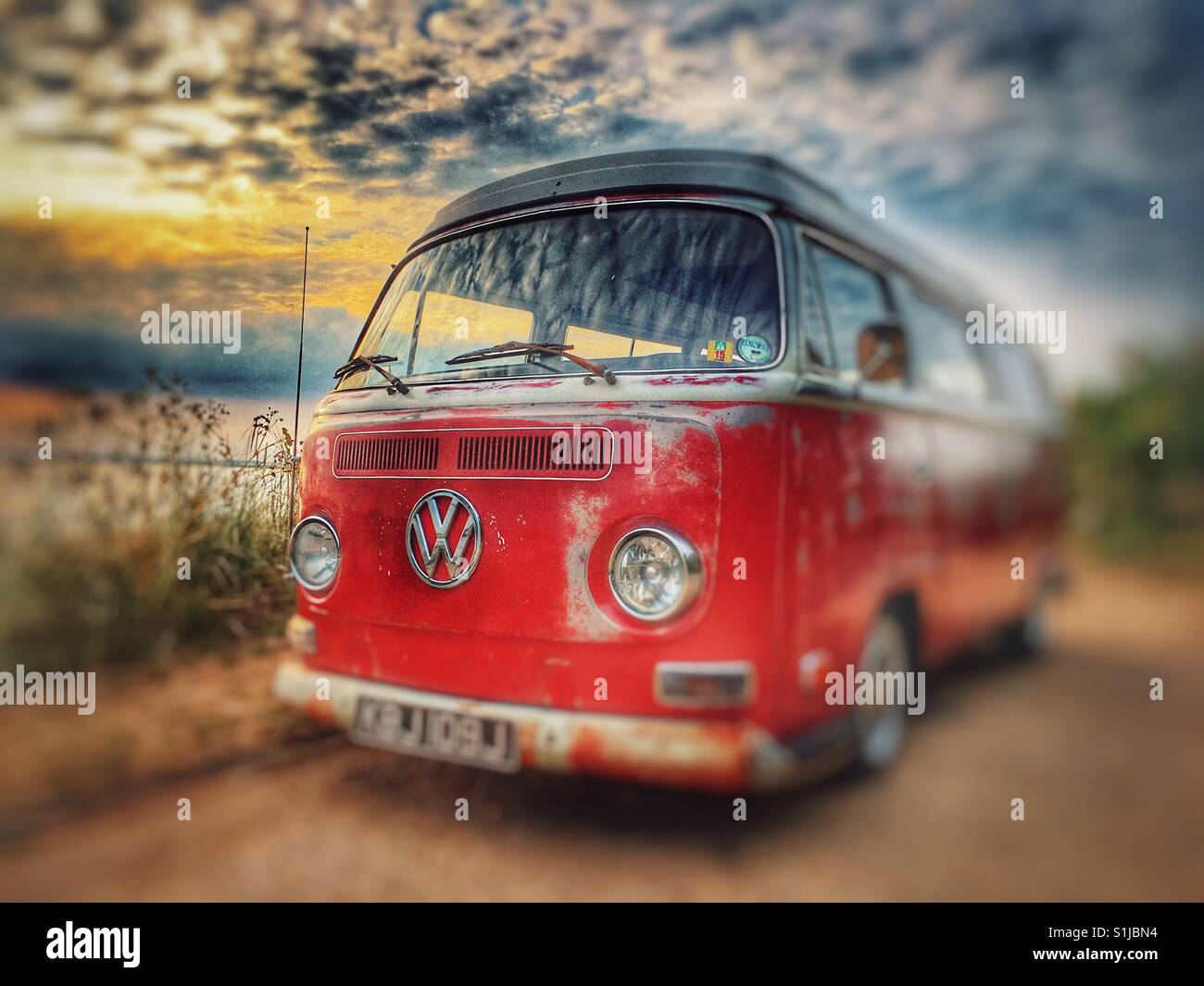Ongekend Vw Camper Bus Stock Photos & Vw Camper Bus Stock Images - Alamy GM-57