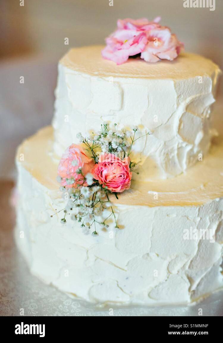 Simple Wedding Cake Stock Photo Alamy