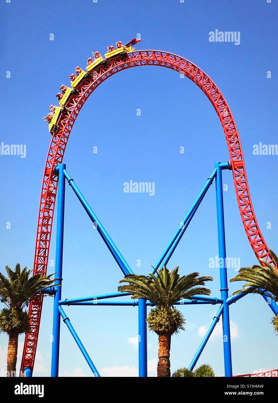 Roller coaster car going down a steep drop Stock Photo - Alamy
