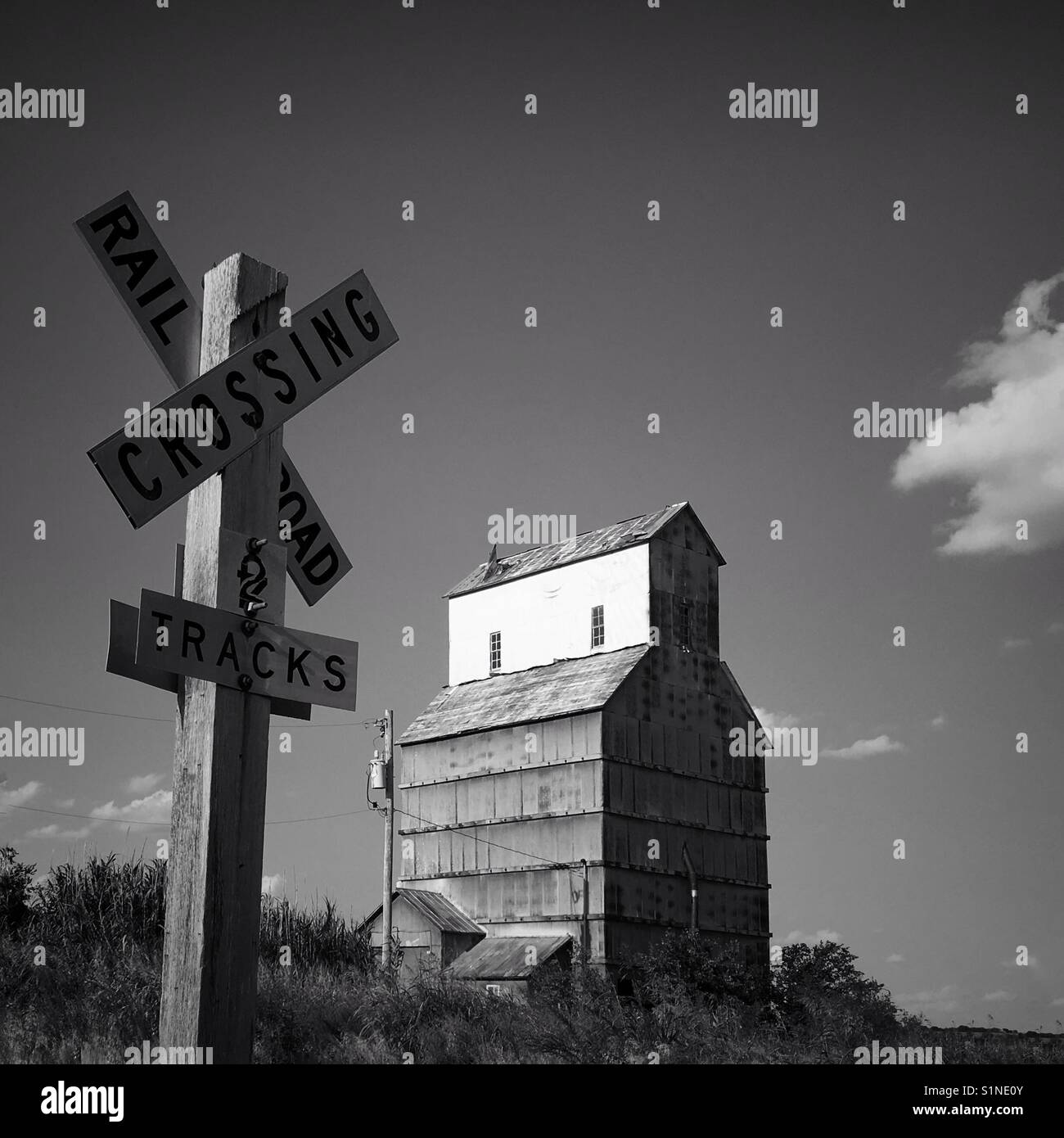 Haunted Places In Silverton Oregon: Rural Railroad Crossing Stock Photos & Rural Railroad