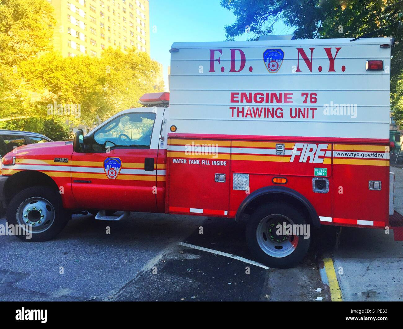 Fire Department, Thawing Unit Special Apparatus, Fire Truck, FDNY, New York City, generates superheated steam at - Stock Image