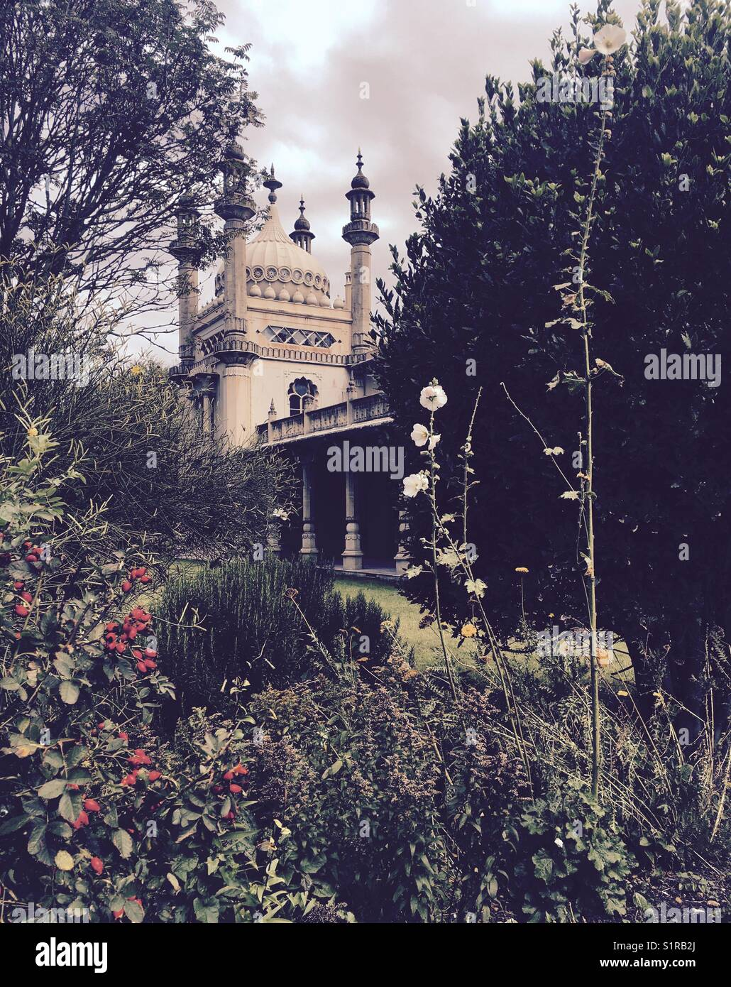 Brighton - the garden of the Royal Pavillion - Stock Image