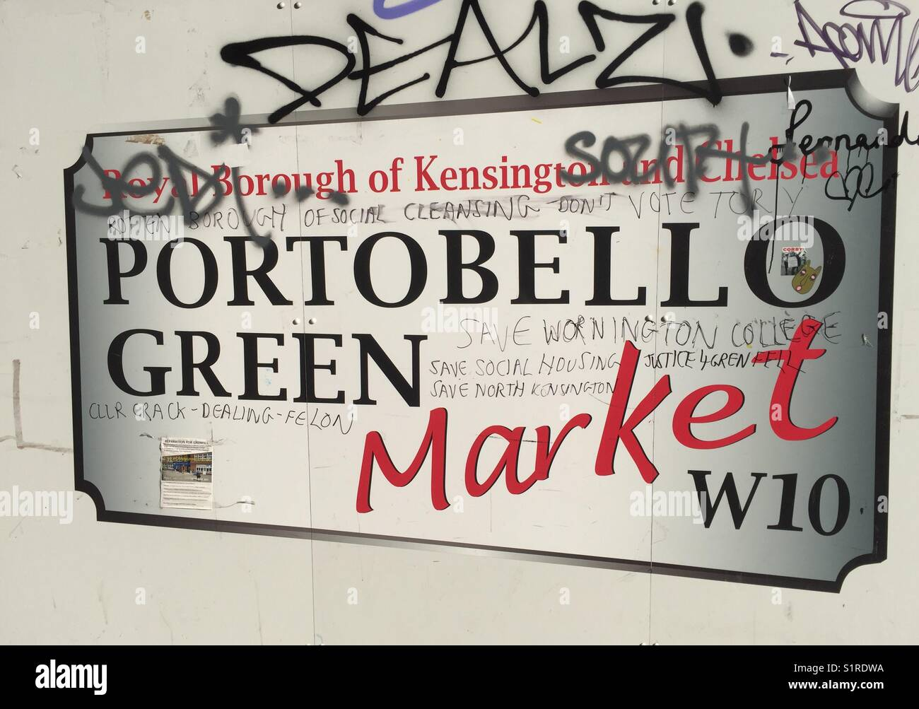 Royal Borough of Kensington and Chelsea, Portobello Green Market sign - Stock Image