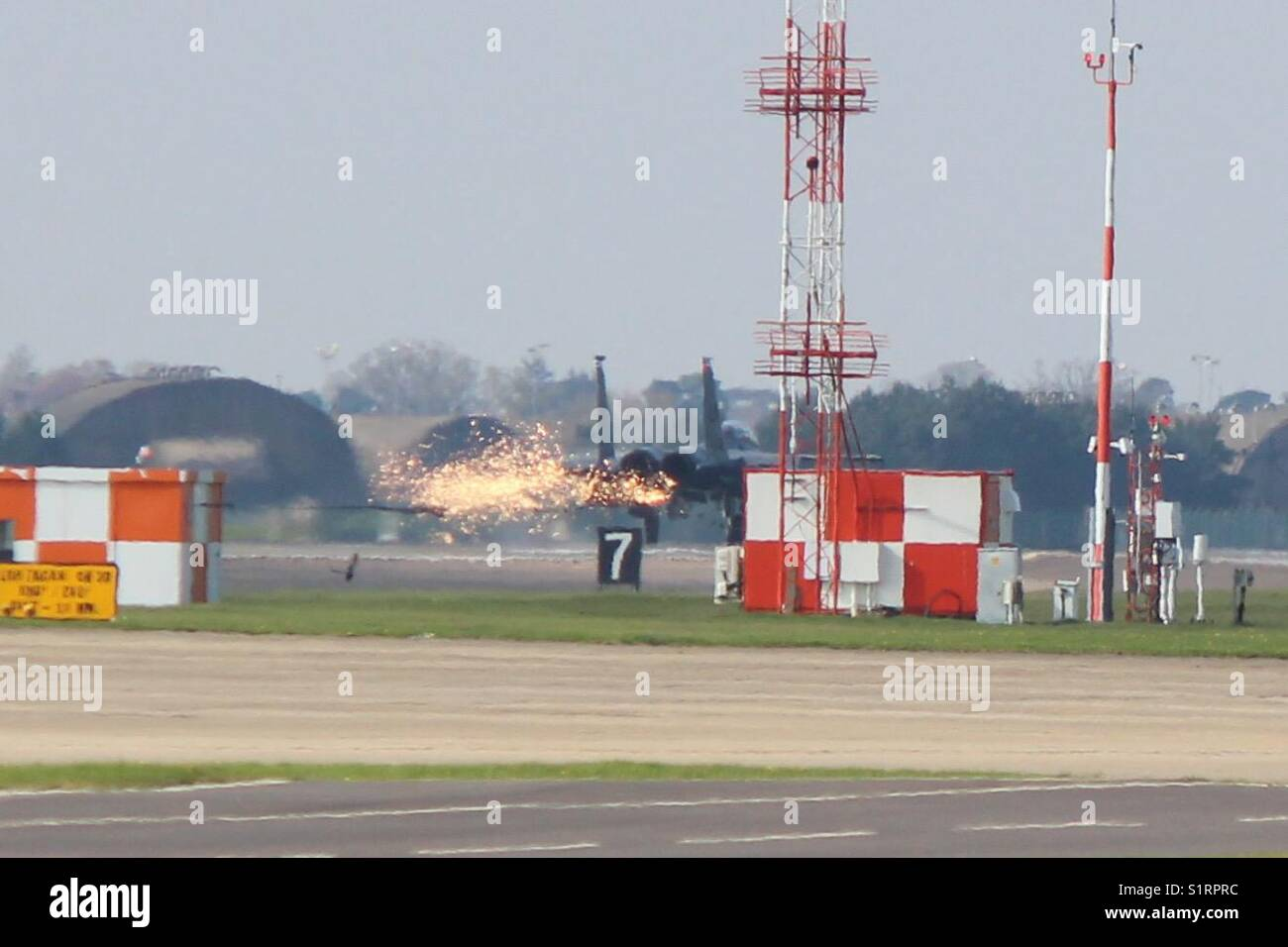 F15 catching the hook on Emergency - Stock Image