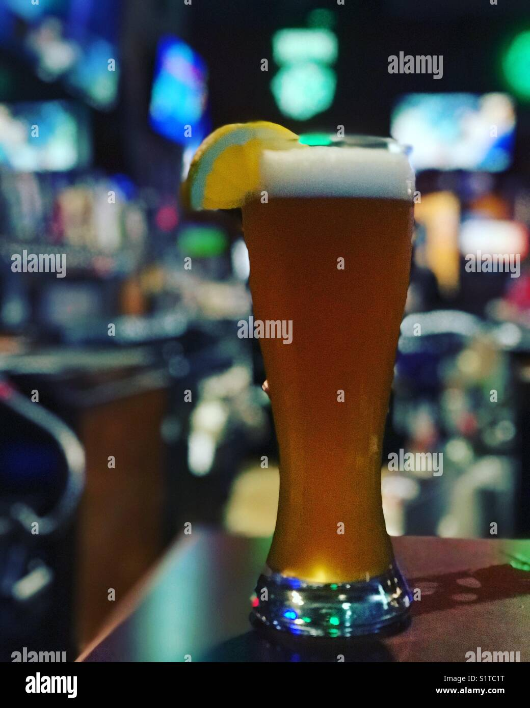 Blue Moon Beer Stock Photos & Blue Moon Beer Stock Images - Alamy