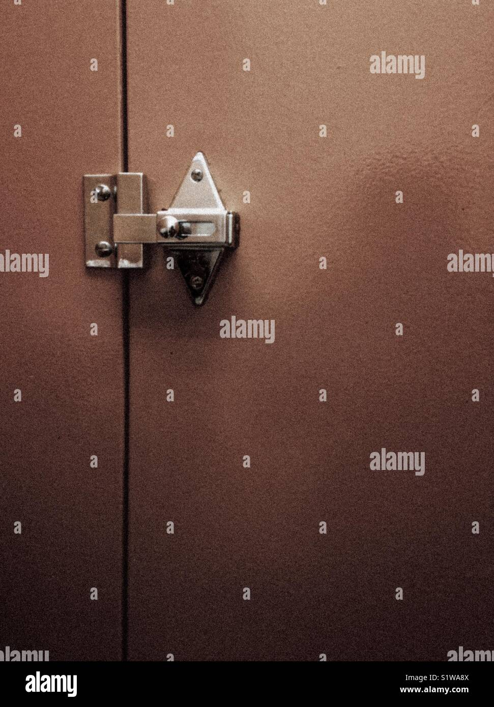 View From Inside Public Bathroom Stall Stock Photo Alamy - Bathroom stall handle