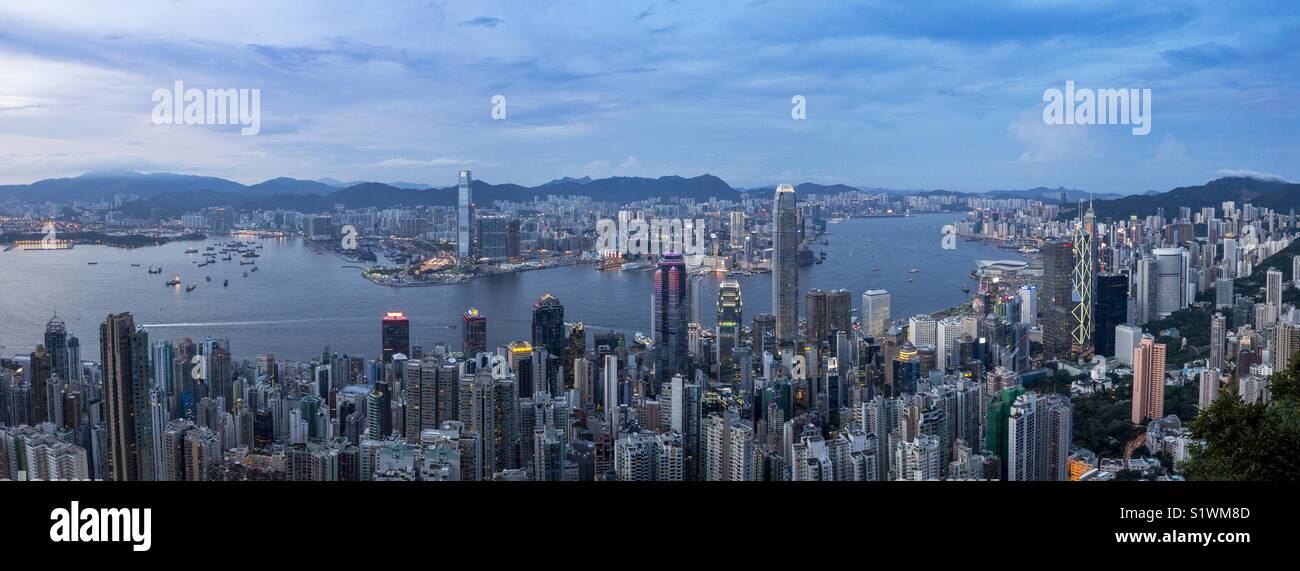 Hong Kong Victoria Harbour view at evening - Stock Image