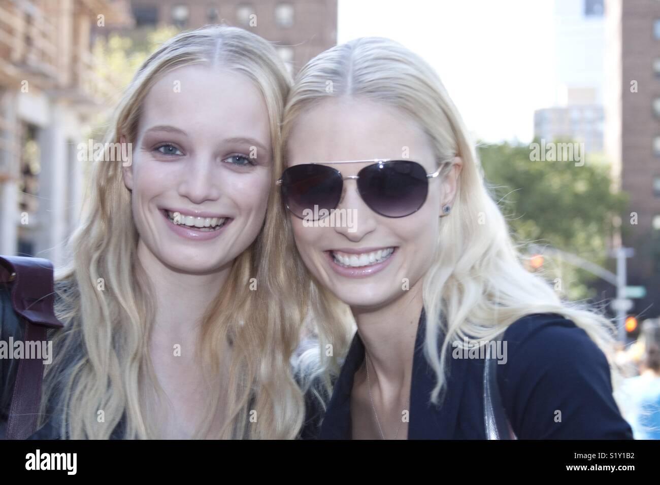 Two beautiful fashion models - Stock Image