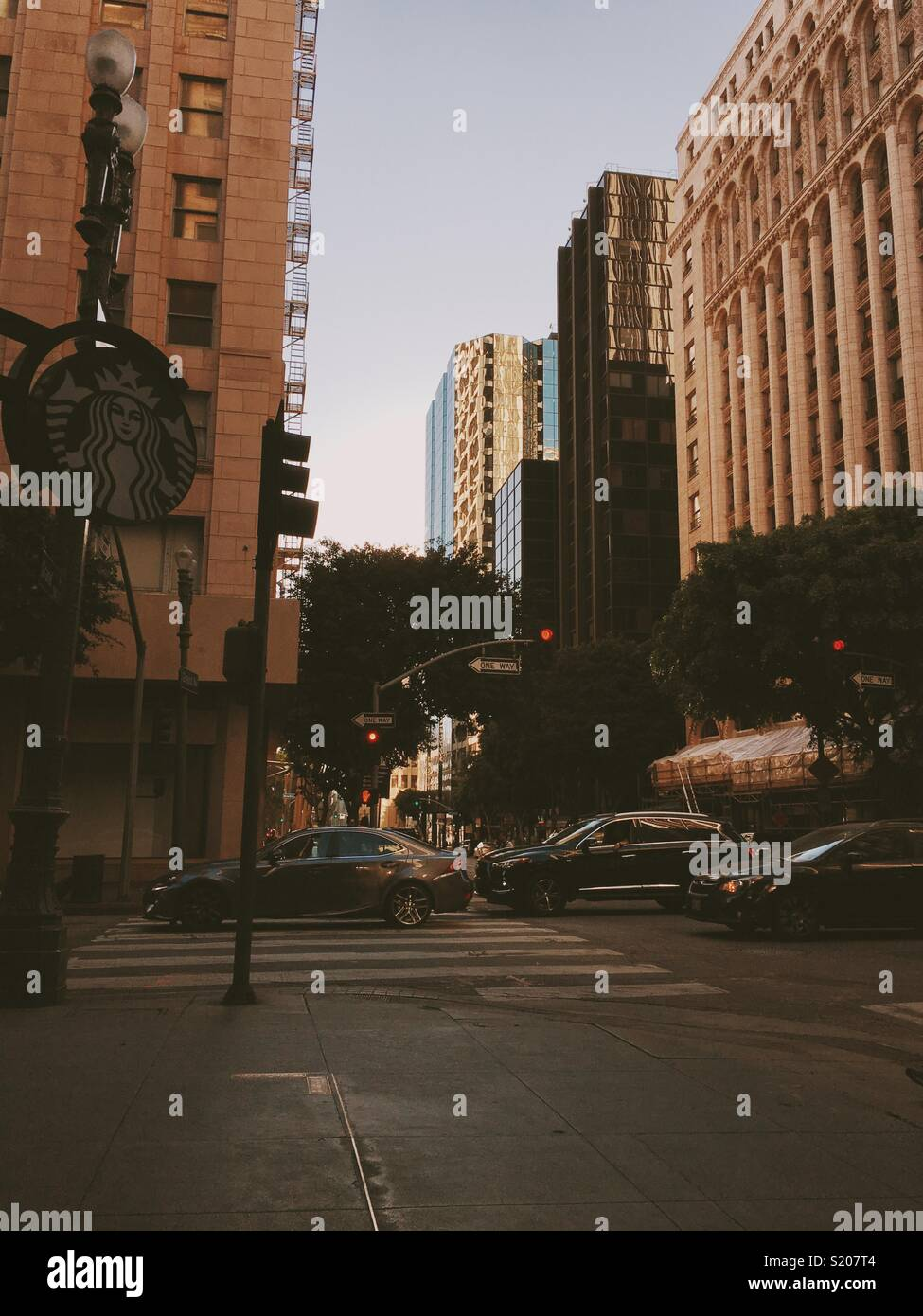 Downtown LA, intersection at mid afternoon. - Stock Image