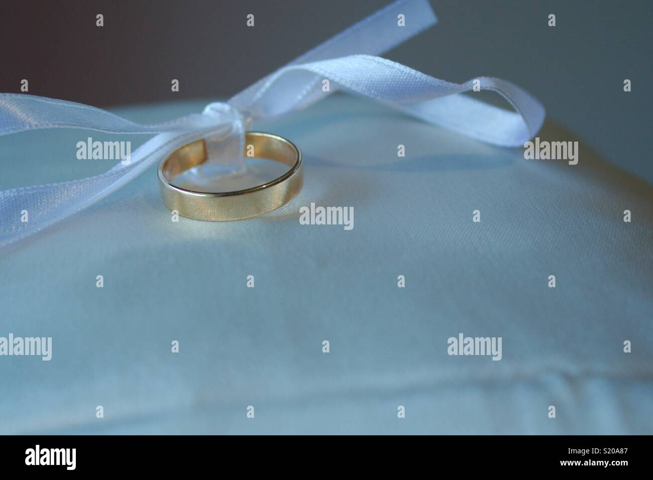 Ring Bearer Stock Photos & Ring Bearer Stock Images - Alamy